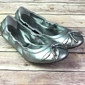 Tod's Silver Leather Ballet Flats 39